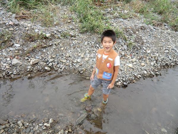 浅川での魚とり
