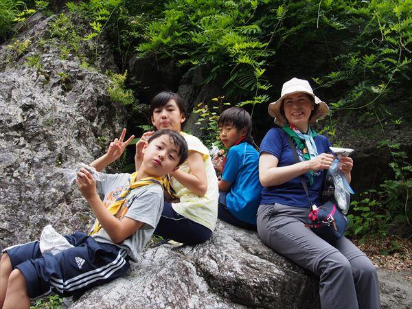 カブ隊の白丸ダムへのハイキング